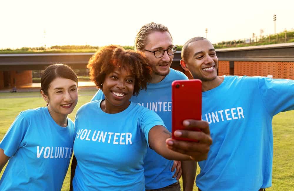 volunteering a great way to make friends overseas