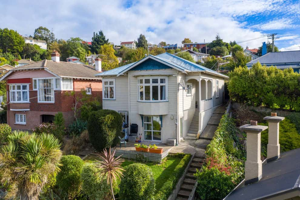 5 bedroom house Dunedin
