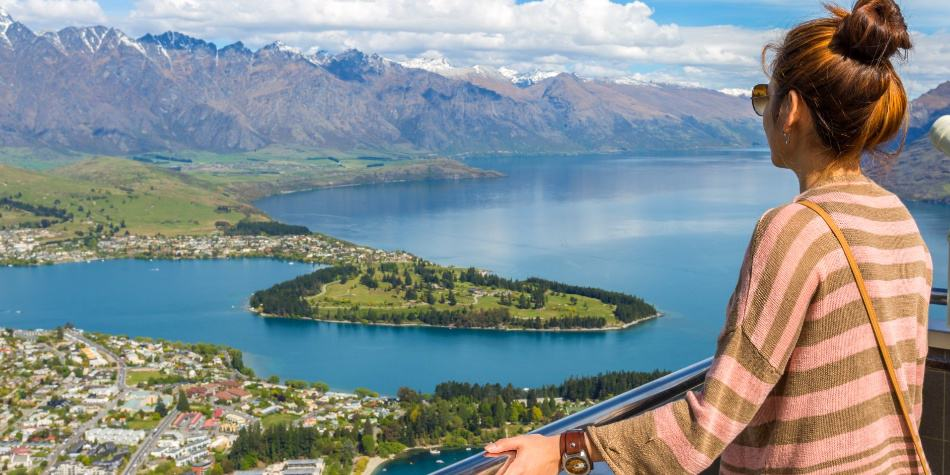 New Zealand shows signs of reopening migration as employers struggle to fill job vacancies