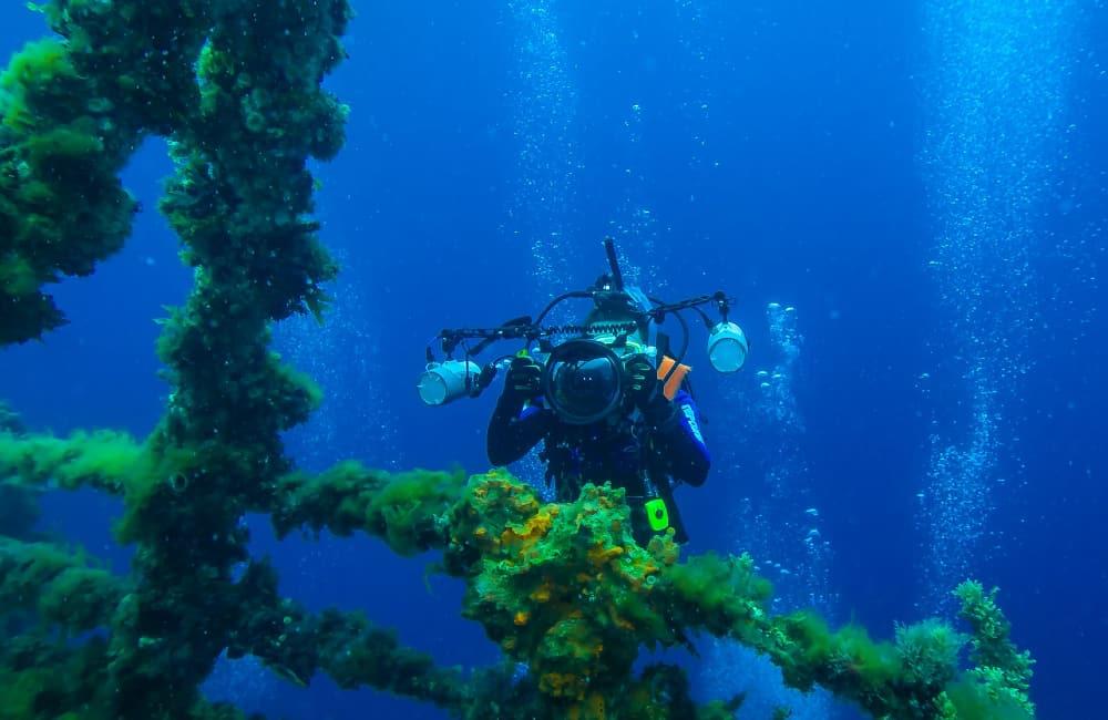 diving HMAS Perth